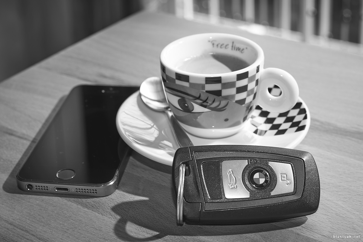 Coffee break, black & white