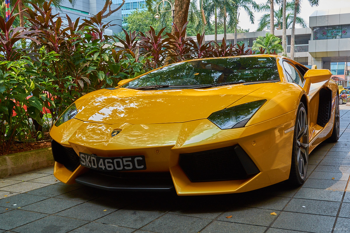Lamborghini next to the Hyatt on Orchard Road